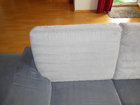 Gereinigtes Sofa, grau, Vorher-Nachhervergleich