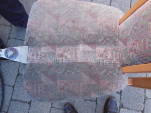 Sitzfläche reinigen Stuhl